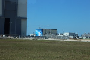 This is the Large... but in this photo seemingly small Boeing building on the site... Next to the VAB. Look how it doesn't even reach the top of the lowest part of the VAB Doors!